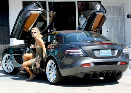 Парис Хилтън купува хибриден автомобил